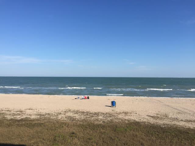 North Beach Heaven.   Beautiful Full Beach View!