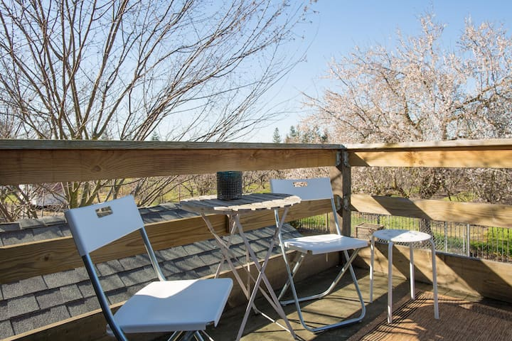 2nd floor balcony overlooking the orchards.
