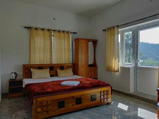 Mithun Hill View(Delux Room)