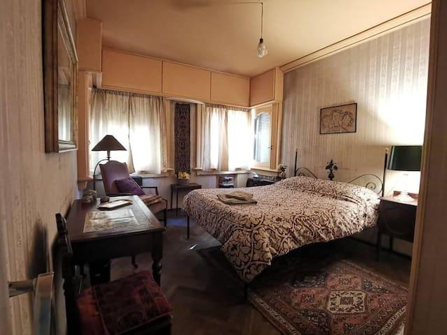Dormitorio amplio en la mejor zona residencial