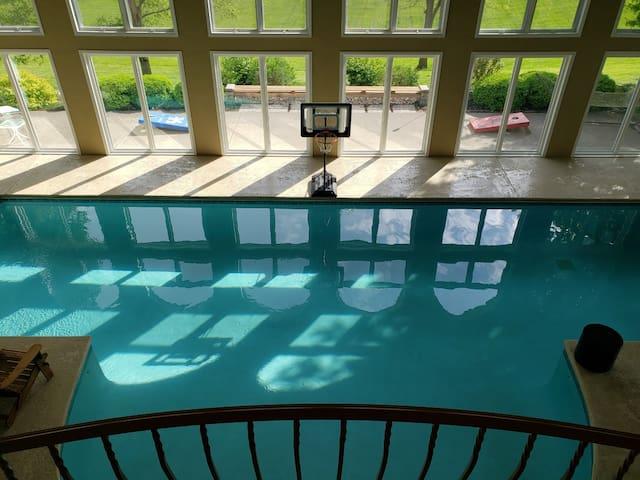 Huge Indoor Pool rec area