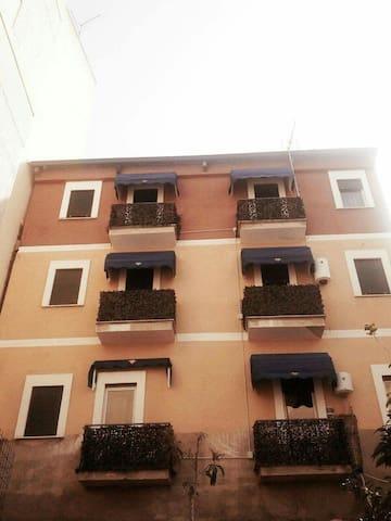 Casa  indipendente e riservata. - Reggio Calabria - Ev