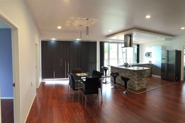 Vaitele Uta- Modern home