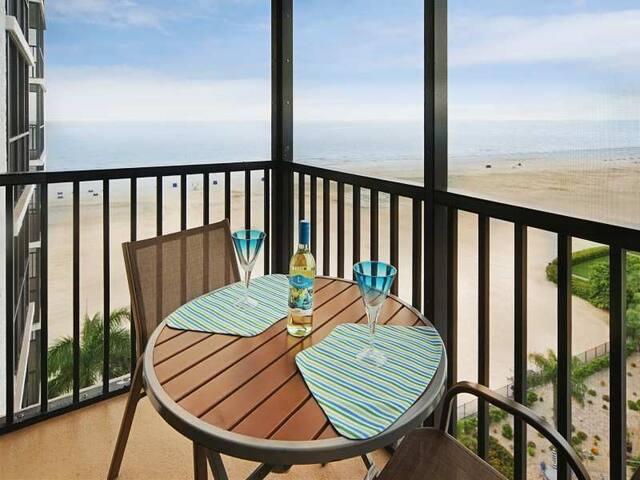 25% OFF MAY 1 - NOV. 13 2020 Breathtaking Sunset Gulf Views Await!