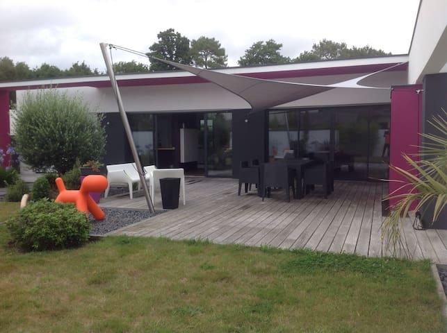 Contemporaine proche Golfe du Morbihan - Plescop - House