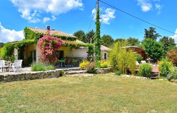 La Thébaïde maison provençale au calme - Rognes