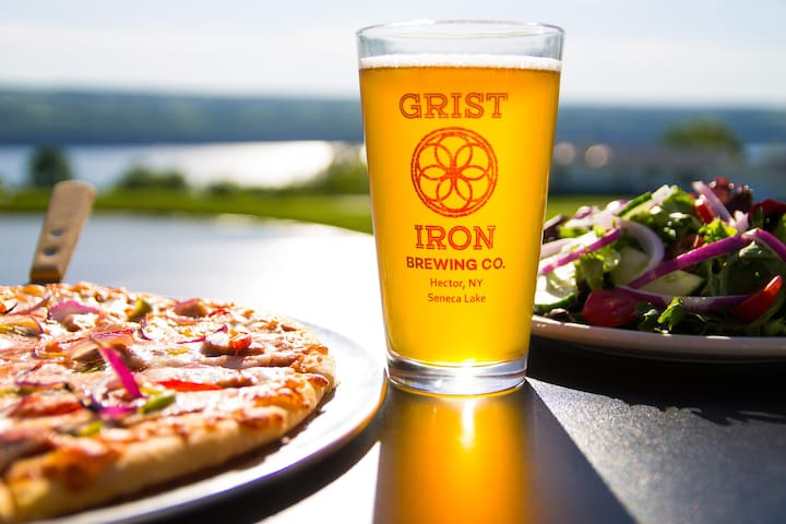 FLX Lodge Retreat Lakeview w/Onsite Brewery