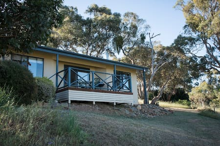 Riesling Country Cottages - Hill River
