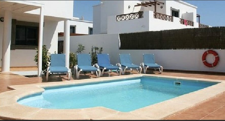 Paradise B&B - Costa Teguise - Bed & Breakfast