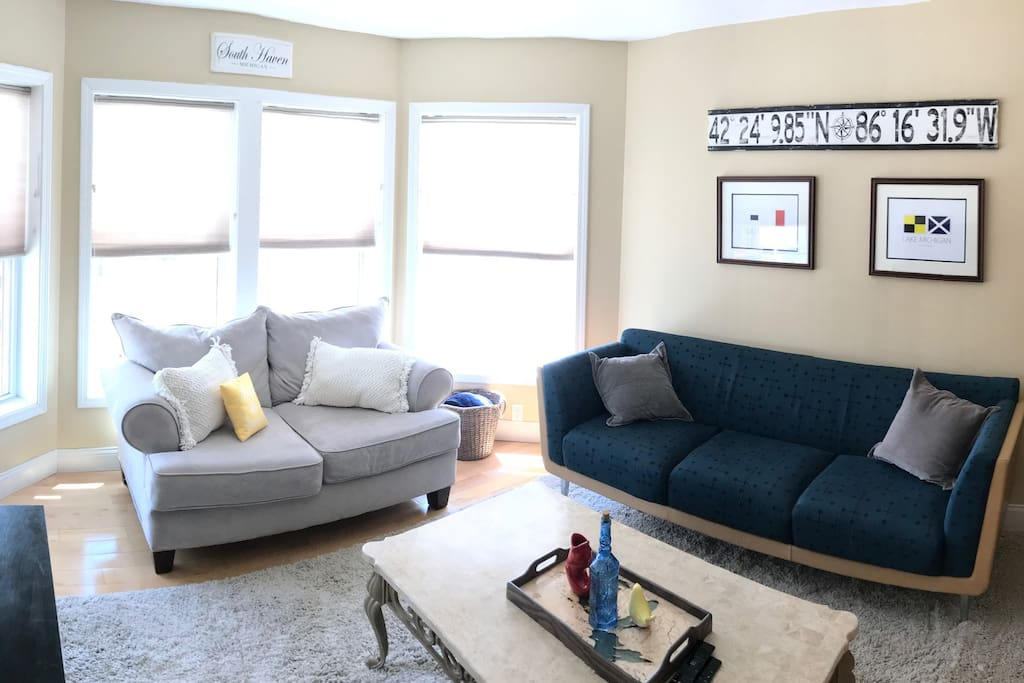 2nd Floor Living Room - Looks out over Eagle Street