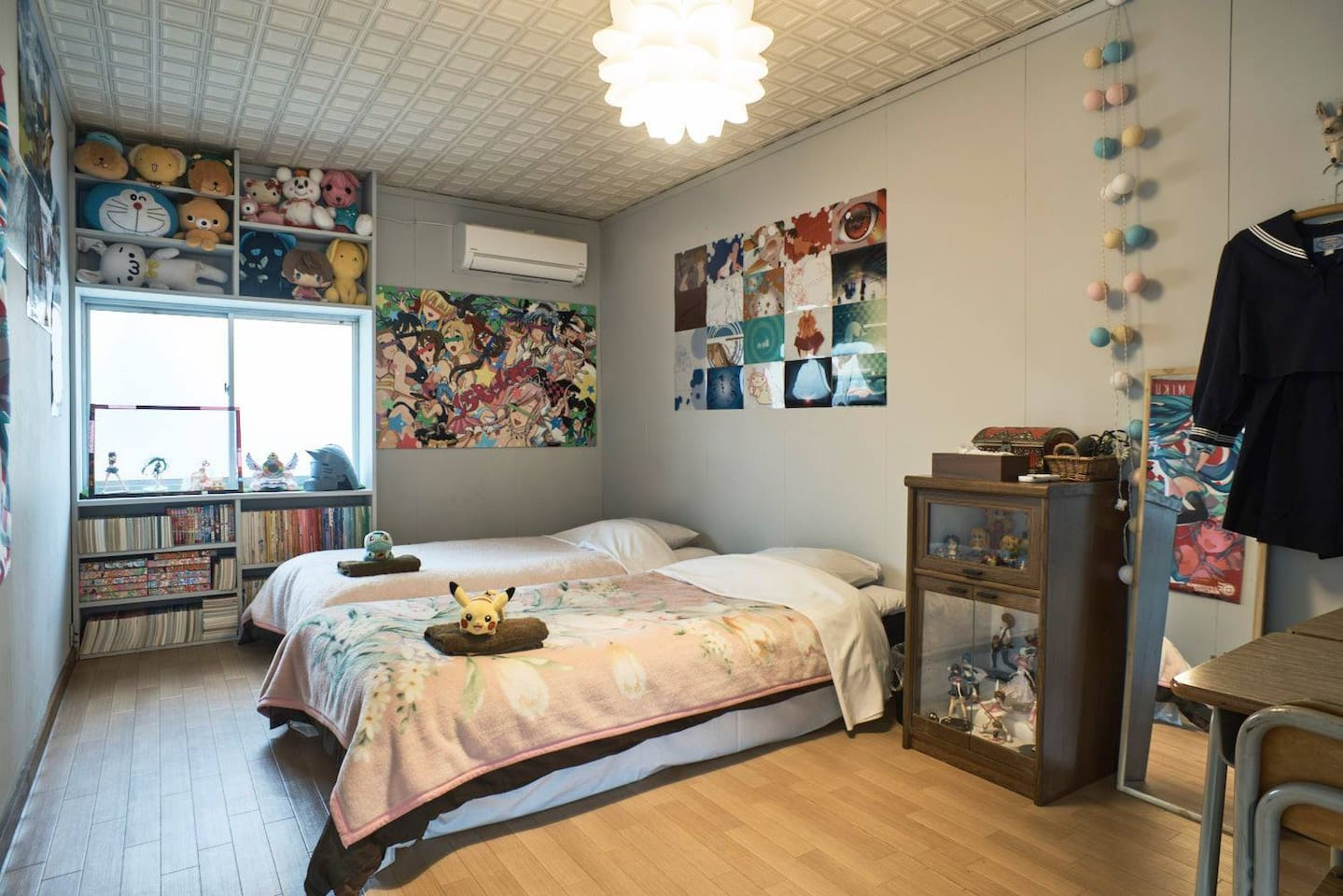 There are 2 beds in this room. There are soft bed, Free Wi-Fi, towel and air conditioner.