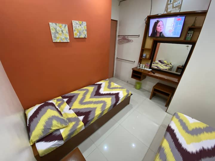 TERRA: Transient room near UP Los Baños Gate