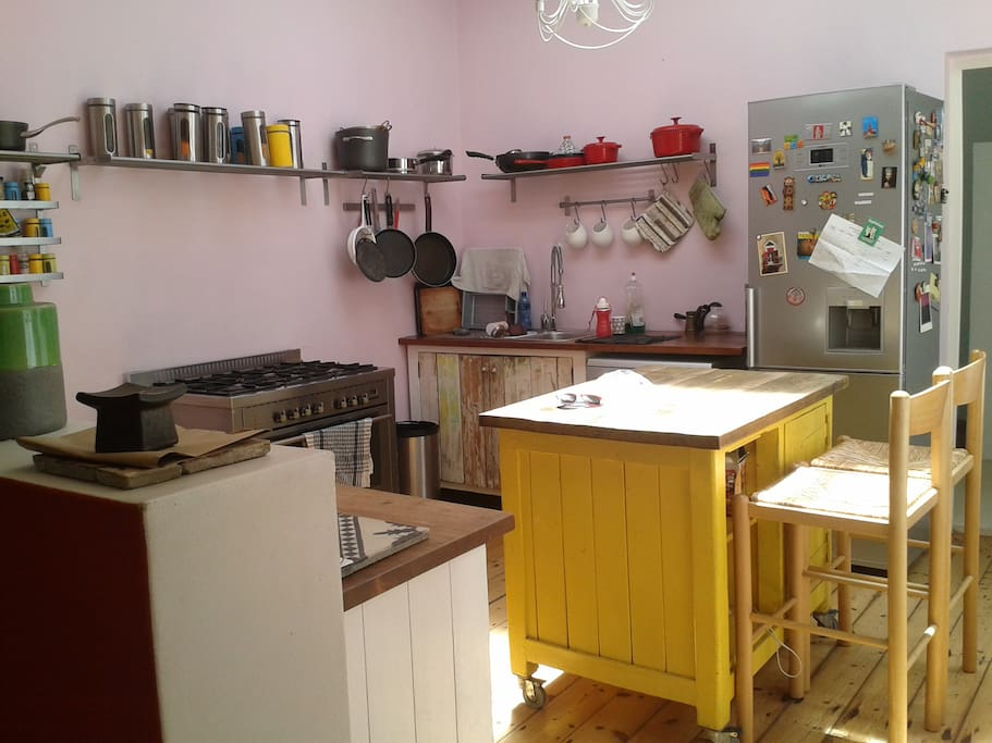 fully equipped kitchen in case you are tired of all the cafes and restaurants in the neighborhood!
