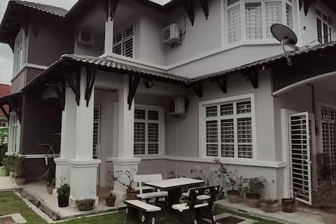 Berisville Guest House at Kota Bharu