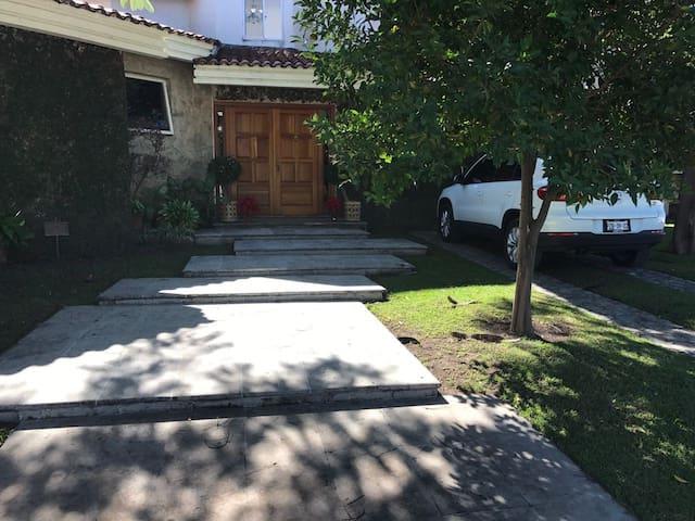 Hermosa y Amplia casa en Hacienda Cocoyoc - Cocoyoc - Ev