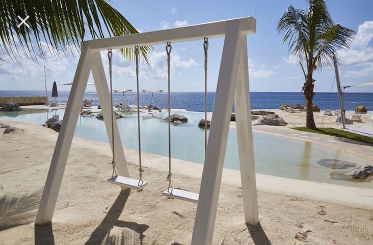 Full cozy apt Bayahibe+private club+walking beach