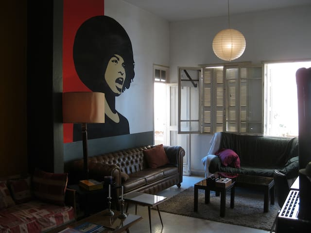 Art Deco Lofty Flat in Central Beirut (Jemmezeh) - Beirut - Departamento