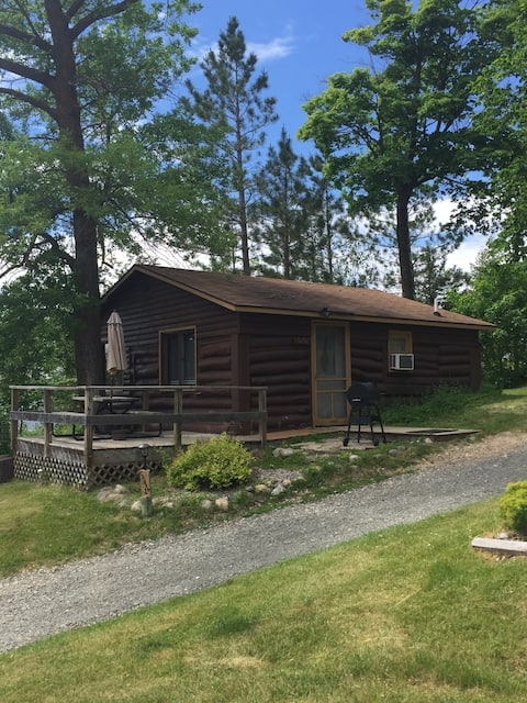 Early 1900's Authentic Log Cabin Sleeps 6