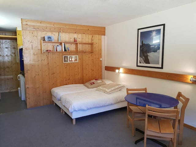 Studio for 3 personnes in Arc 1600 next to the slopes and close to shops