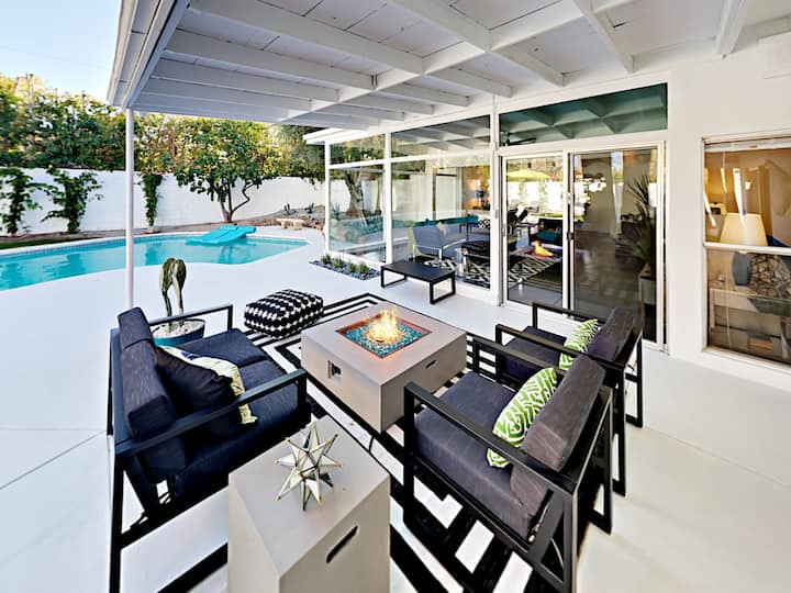 Magnificent Mid-Century Modern Home – Private Pool