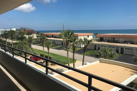 Comfy Beach Front Condo With Amazing View - 弗拉格勒海滩 (Flagler Beach) - 公寓
