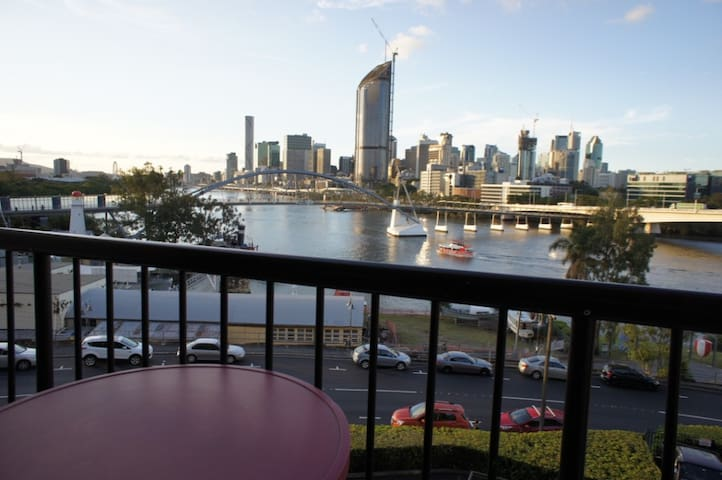 South Bank studio with breathtaking views - South Brisbane