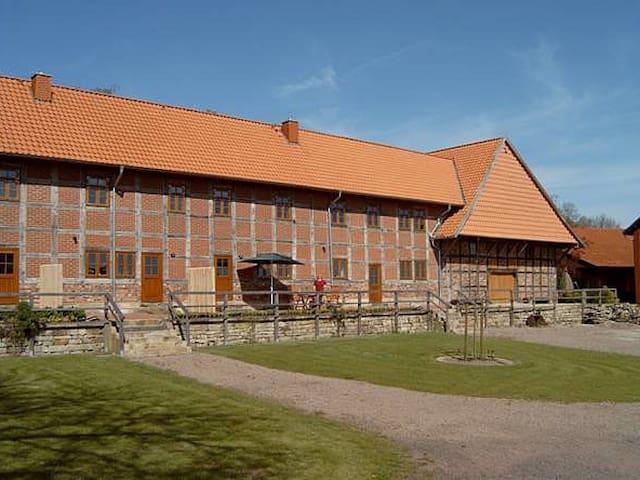 Großer Fachwerkhof - Wölpinghausen