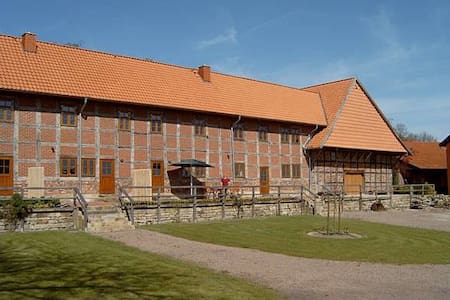 Großer Fachwerkhof - Wölpinghausen - Kondominium