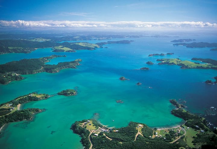 Paradise Found  Bay of Islands, Paihia family home
