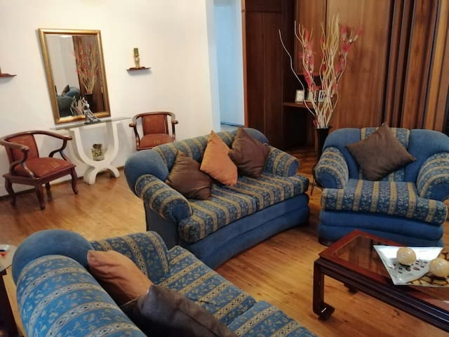 Cozy apartment in downtown Quito/Centro histórico