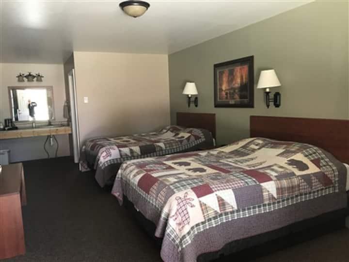 Antler's Lodge Room 16