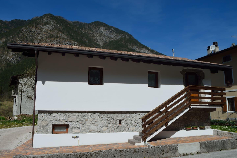 facciata dell'abitazione