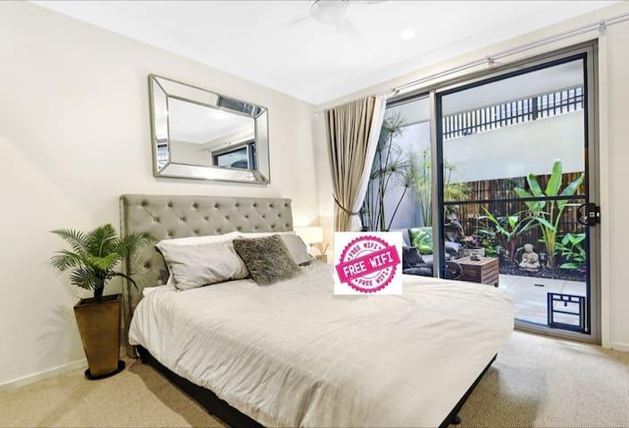 Unique guest suite with seperate entrance舒適独立睡房