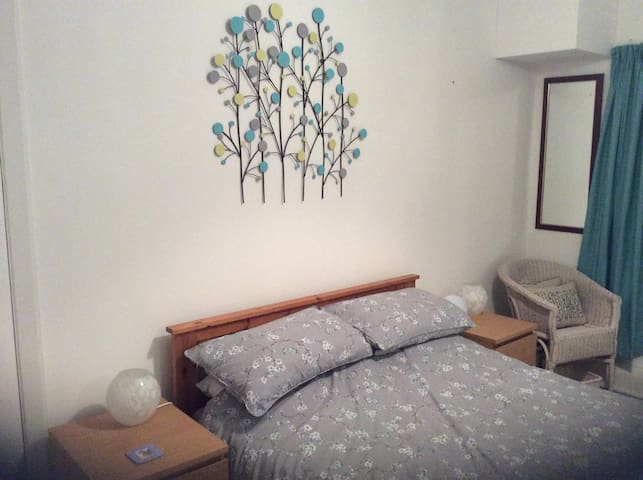 Double Bedroom, close to TT course and town centre