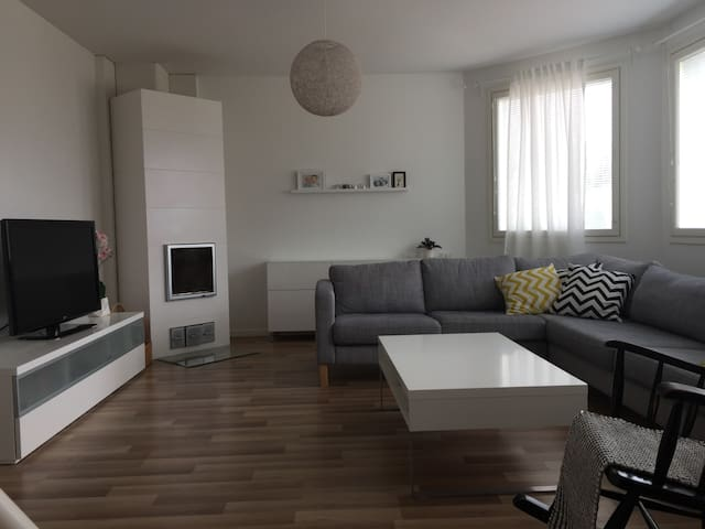 A lovely modern apartment 3,5km from city centre - Pori - Appartement