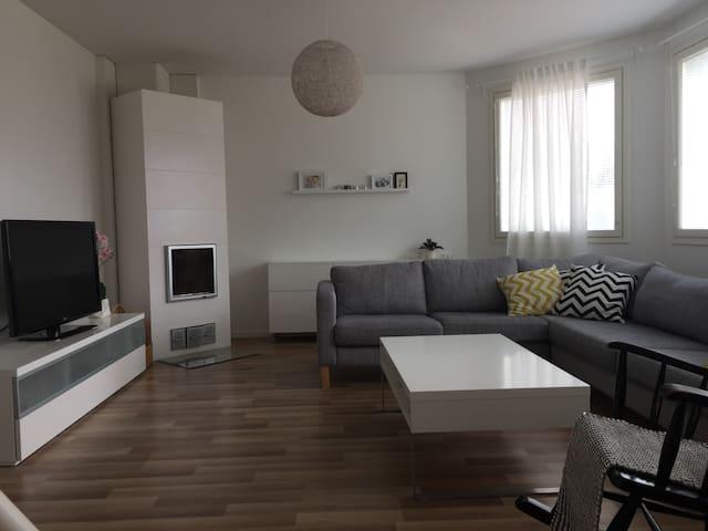 A lovely modern apartment 3,5km from city centre - Pori - Appartamento