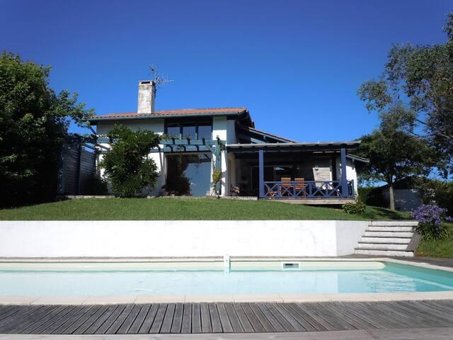 Maison de 220 m2 avec piscine St Jean de Luz - Urrugne - Huis