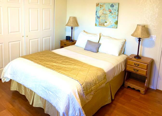 Honey Suite / Queens Bed