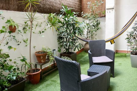 Comfortable duplex + patio in Gràcia!