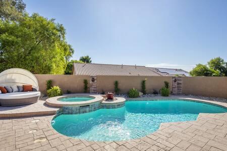 Sunny Vegas Retreat w/ Pool, Spa, Outdoor Kitchen!