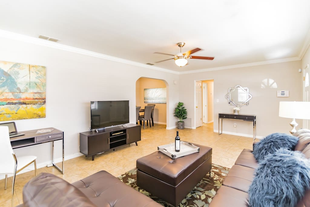 Beautiful 3 Bedroom Home All New Furniture Houses For