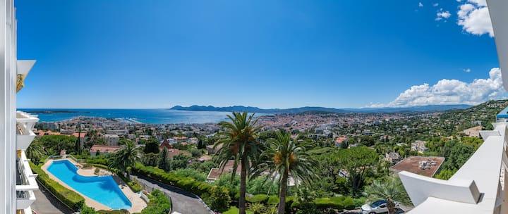 Vue féerique sur toute la baie de Cannes
