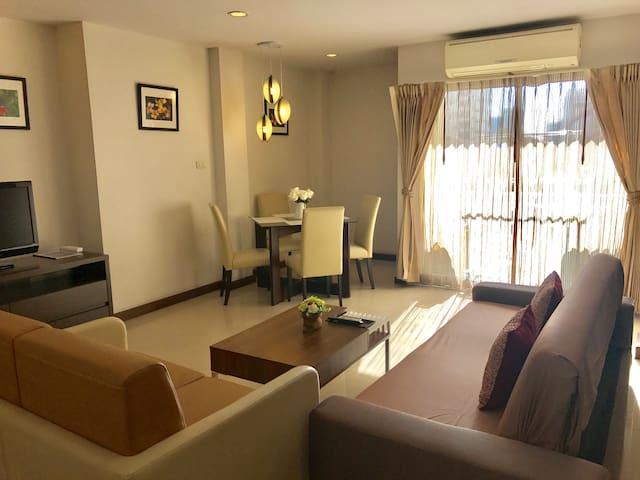 2 Bedroom Cozy Suites @ Terminal 21 Sukhumvit