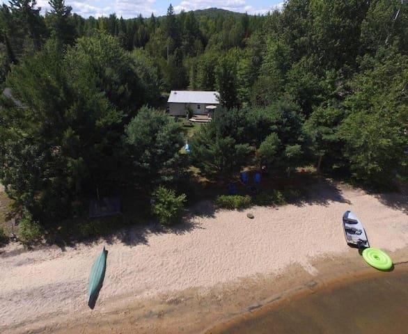 Easton Escape on Papineau Lake