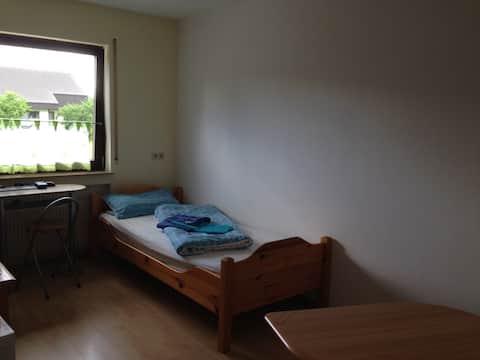 Kleines und feines Zimmer