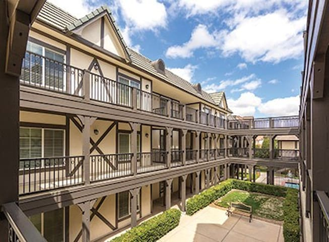 California (S)-Solvang Resort 1 Bdrm Condos