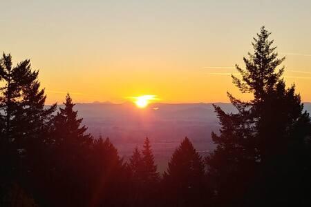 Corvallis Vineyard Mountain Retreat