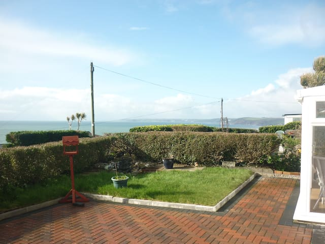 Coastal Cornish sea view bungalow - Millbrook - Chalé