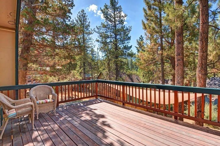 Bear Summit Cabin: Close to everything, New Spa - Lac Big Bear - Maison
