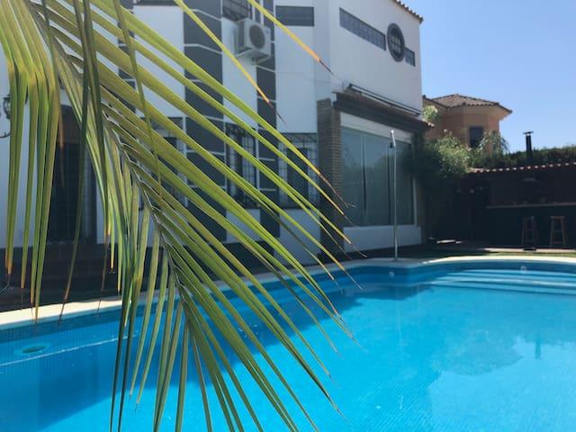 Villa Private Pool, Light & Dreams, El Olivar.